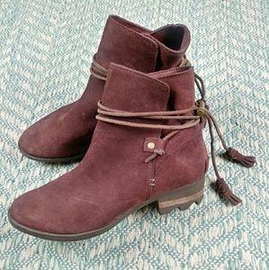 Sorel Farah Short Leather Ankle Wedge Bootie. 7.5